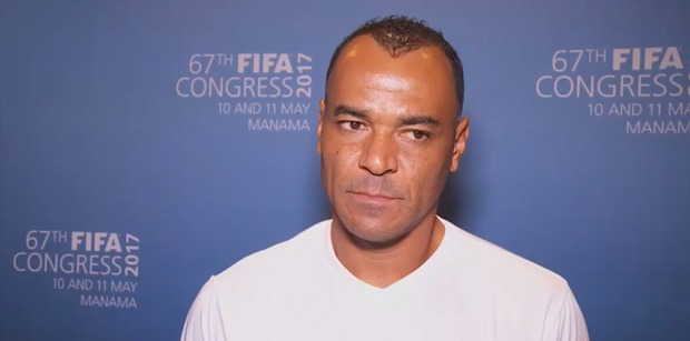 Cafu évoque Neymar
