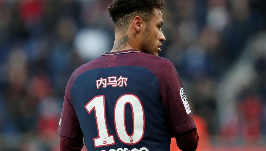 La FIFA n'enquête plus sur le litige entre Neymar et le Barça pour une prime, mais le litige continue