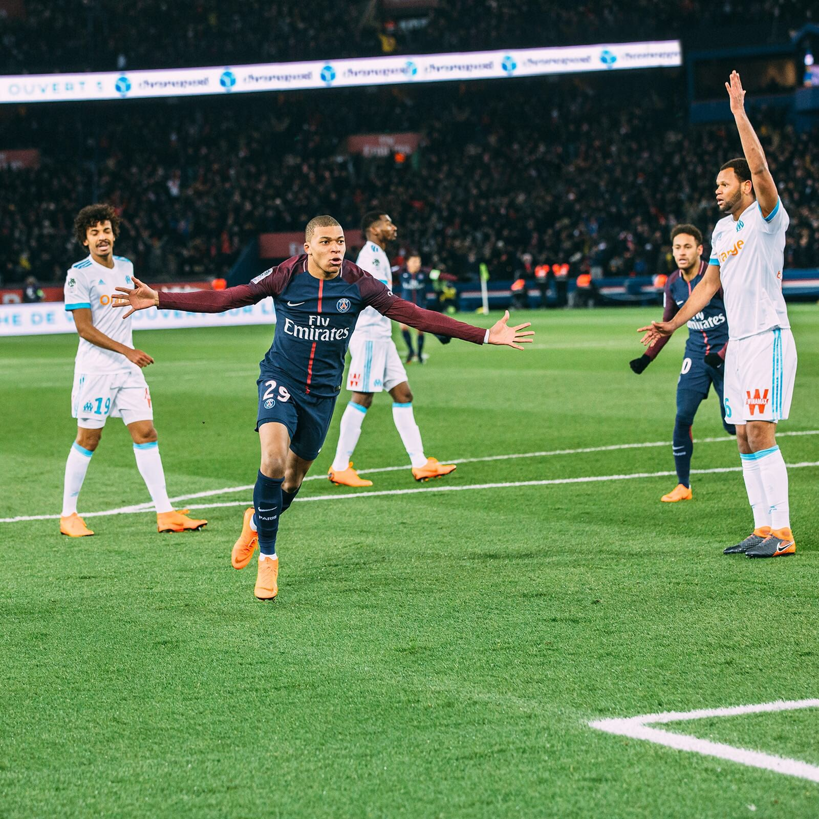 Les images du PSG ce dimanche : Classico remporté et célébré !