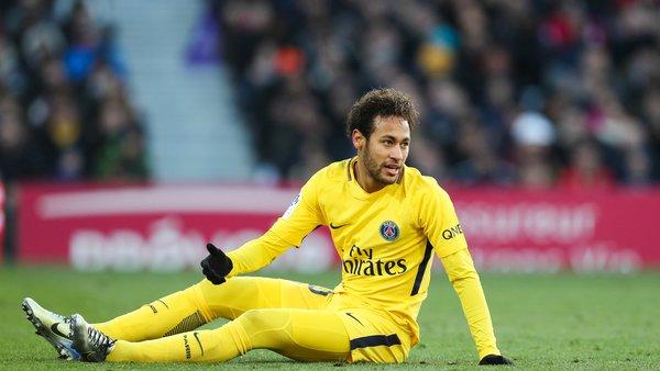 Ligue 1 - Le but du PSG à Toulouse finalement accordé à Issa Diop et non Neymar