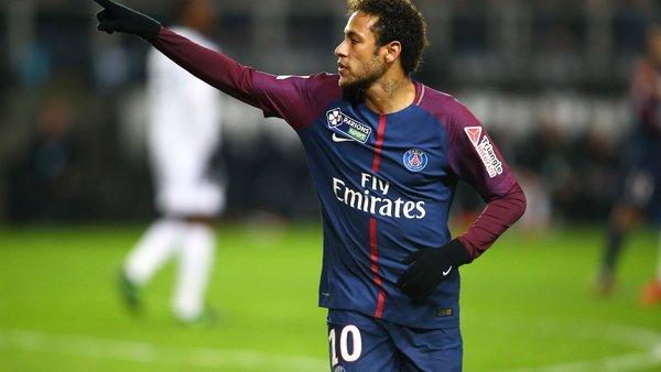 Neymar montre la glace sur ses chevilles après la victoire à Toulouse avec un message de détermination