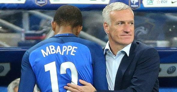 Deschamps Mbappé le sait, il est capable d'évoluer à tous les postes offensifs