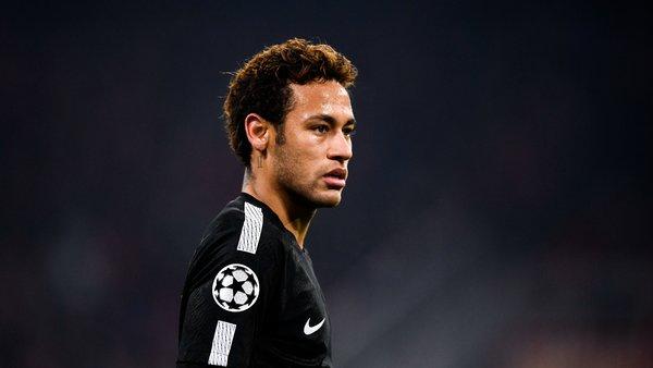 Gérald Darmanin dément avoir aidé le PSG dans le transfert de Neymar