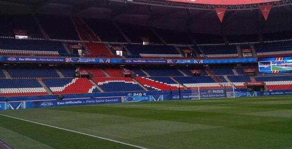 Il faudra encore attendre pour avoir une large association d'Ultras du PSG en Tribune Boulogne