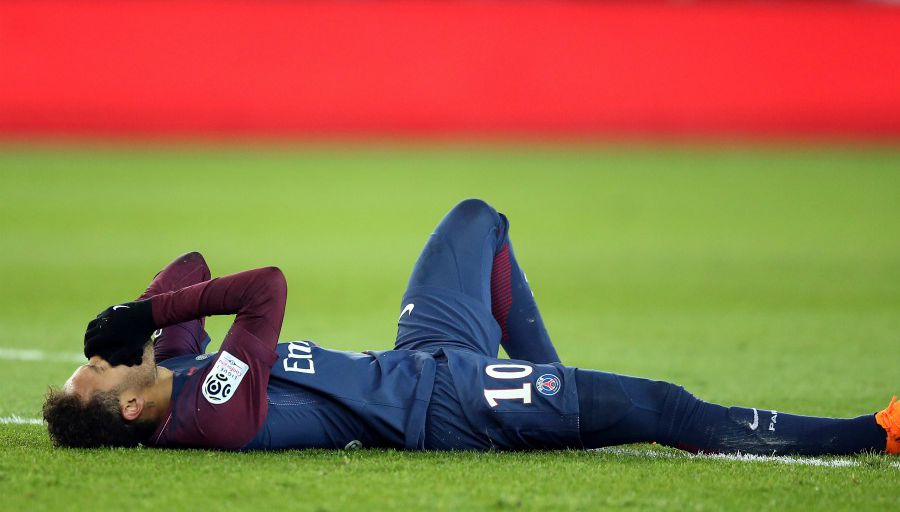 Le PSG confirme que l'opération de Neymar s'est bien passé et annonce un bilan dans 6 semaines