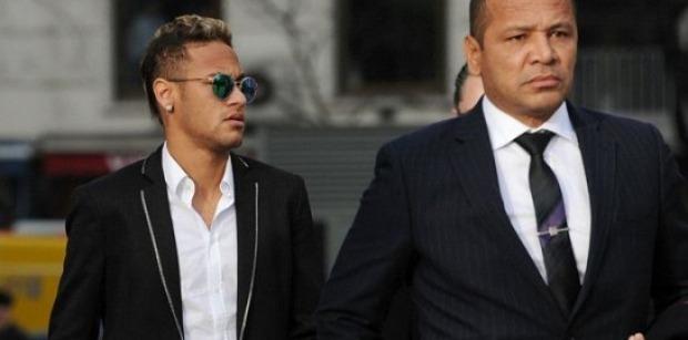 Neymar a déjà un avenir au PSG. Il a un présent au PSG, répond son père