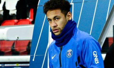 Bitton Neymar n'a montré aucun amour du maillot du PSG...Il n'a pas 30 secondes