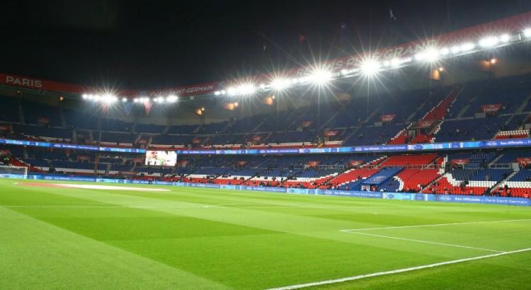 L'Equipe indique l'avantage pour le PSG a avoir une tribune debout au Parc des Princes