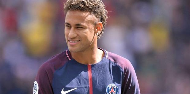 Mercato - Manchester United proposerait 2 joueurs et des millions pour Neymar, selon le Daily Star