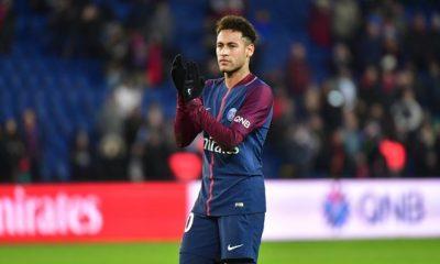 Neymar passera un examen samedi, son retour espéré la semaine du 23 avril