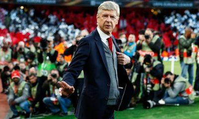 Wenger j'ai décidé de prendre un peu de recul pendant quatre ou cinq semaines avant de prendre une décision