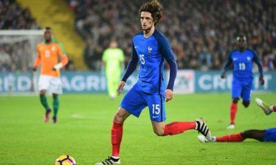 Adrien Rabiot risque de perdre sa place en Equipe de France au profit de Nzonzi, selon la presse