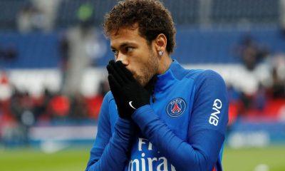 Alain Roche aPar moments, Neymar n'a pas cette générosité...Il n'a pas encore gagné le coeur des gens
