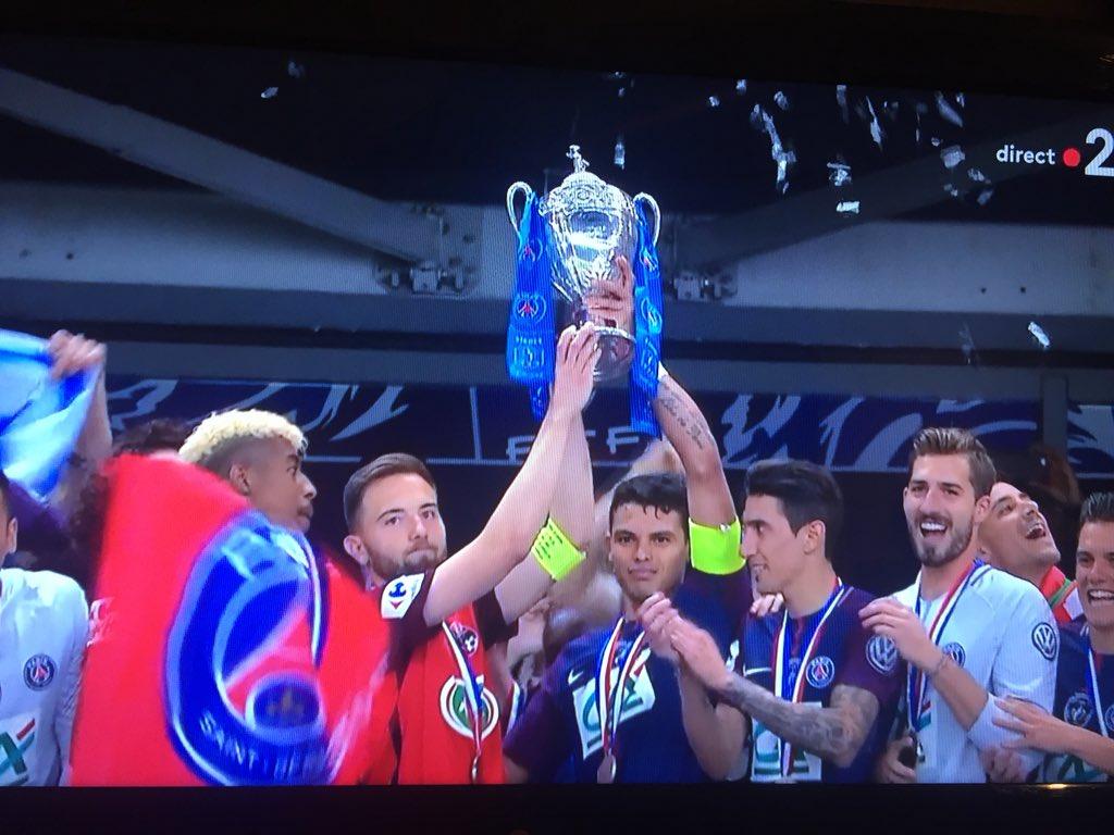 Le PSG a laissé le capitaine des Herbiers participer au levée du trophée de la Coupe de France