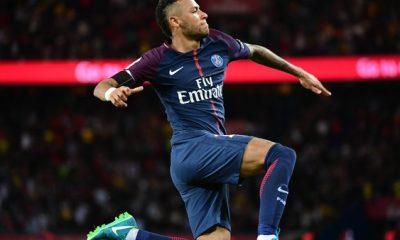 Mercato - Goal affirme que Neymar veut quitter le PSG et que Lewandowski pourrait le remplacer