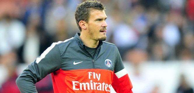 Le Racing Club de Lens annonce que Douchez ne sera plus dans l'effectif la saison prochaine
