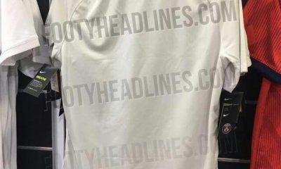 Footy Headlines publie de nouvelles images du maillot extérieur du PSG pour la saison 2018-2019