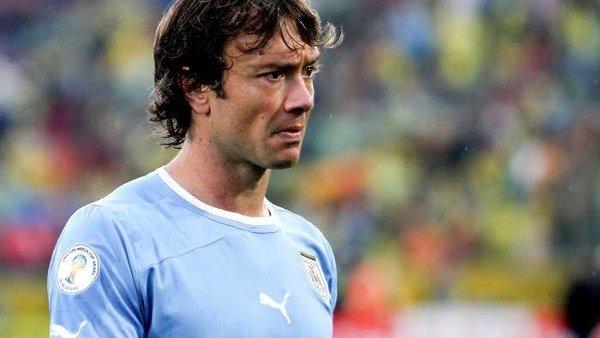 Lugano Neymar Les simulations, les sauts...C'est pour cela que les défenseurs y vont fort