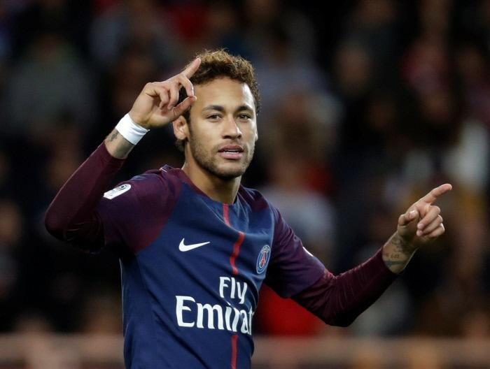 Mercato - Le Real Madrid aurait envoyé un émissaire pour suivre Neymar, qui veut venir, AS insiste&