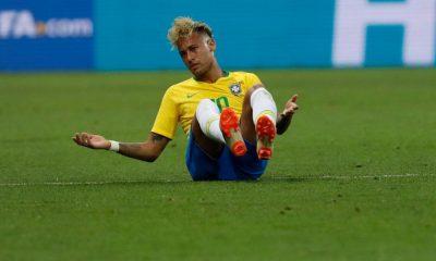 Neymar faute subie