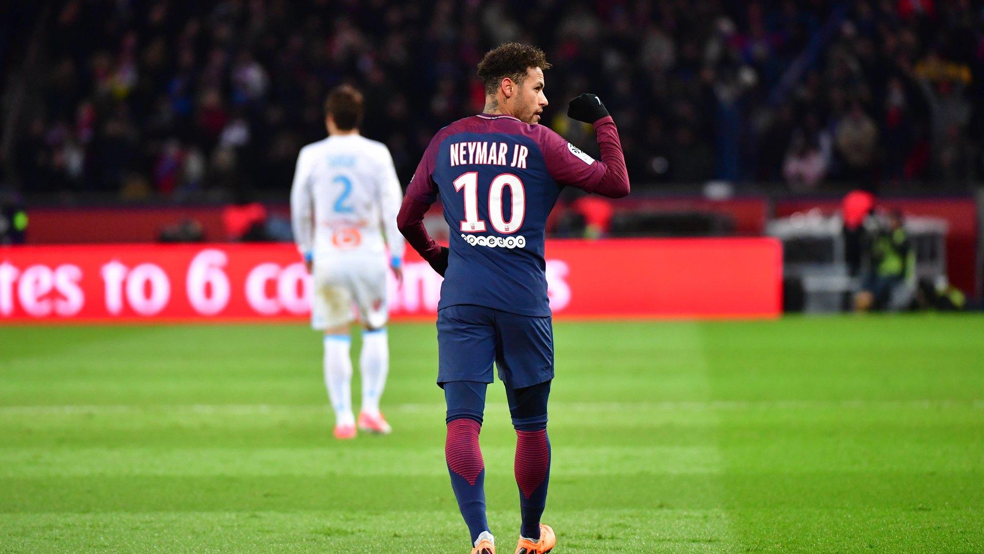 Neymar Je suis heureux d'avoir accepté ce défi au PSG...Il manque un trophée, mais ce sera pour la saison prochaine