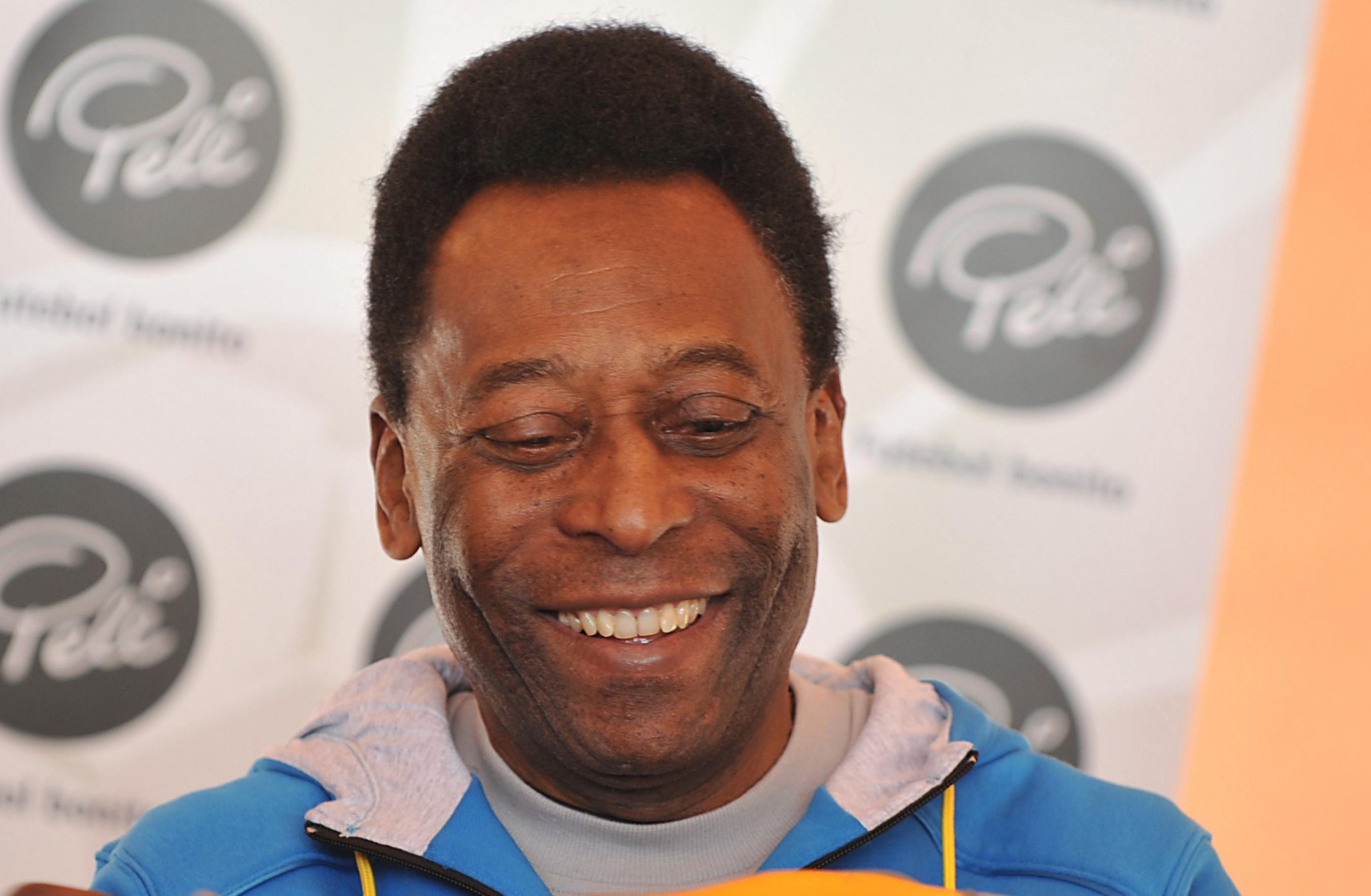 """Pelé aimerait voir """"Neymar jouer en numéro 10"""" au PSG"""