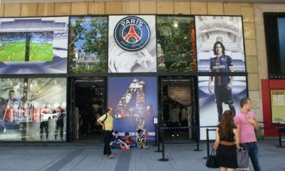 Des Ultras du PSG ont défendu la boutique du club face à des casseurs