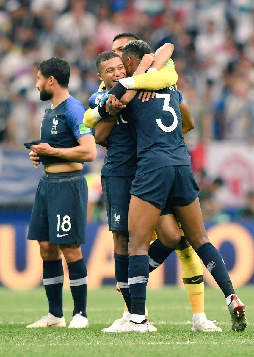 Les images du PSG ce dimanche La France est championne du monde !.jpg