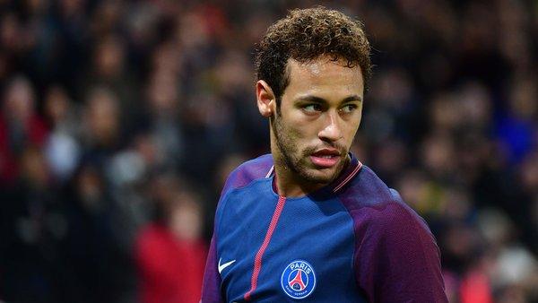 Mercato - Le PSG discute avec Neymar d'une revalorisation salariale, selon AS