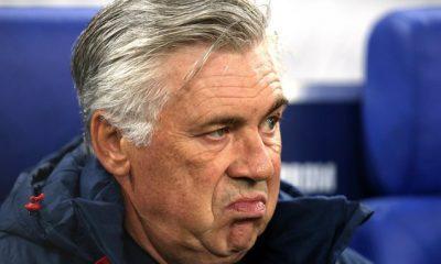 Mercato - Naples dément un intérêt pour Cavani, Ancelotti calme les rumeurs