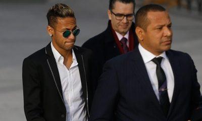 Neymar Sr Neymar est déjà à Paris. Le fait qu'il voulait partir n'est pas sorti de notre bouche