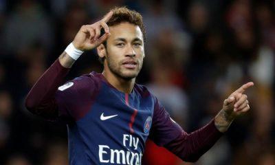 Neymar Je joue un football joyeux, différent, osé...Je n'aime pas être emprisonné