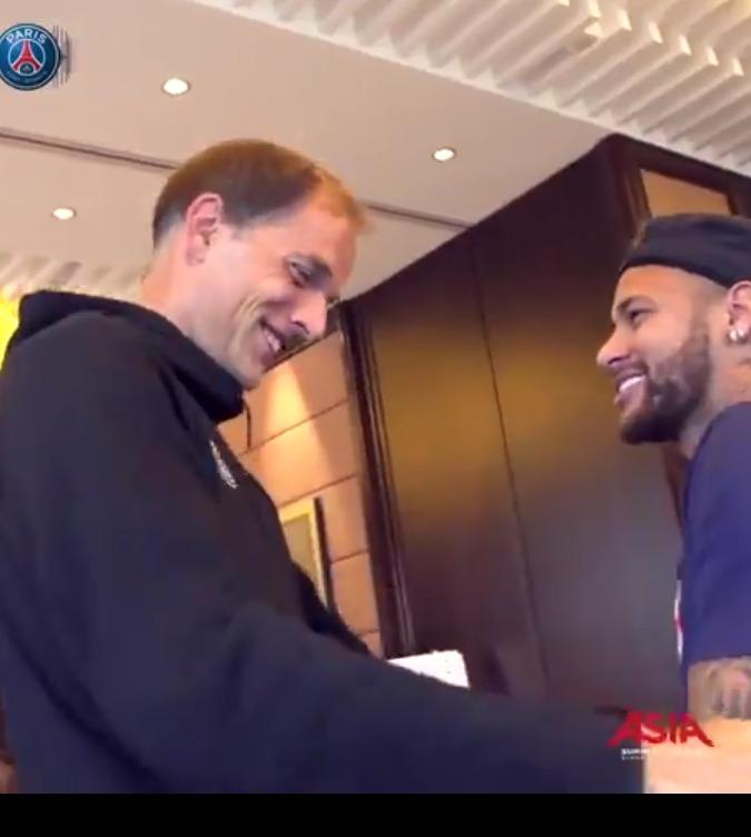 Neymar a rejoint le groupe du PSG, les images de son retour