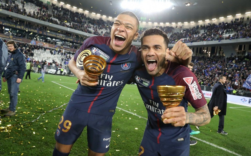Mbappé + Alves PSG