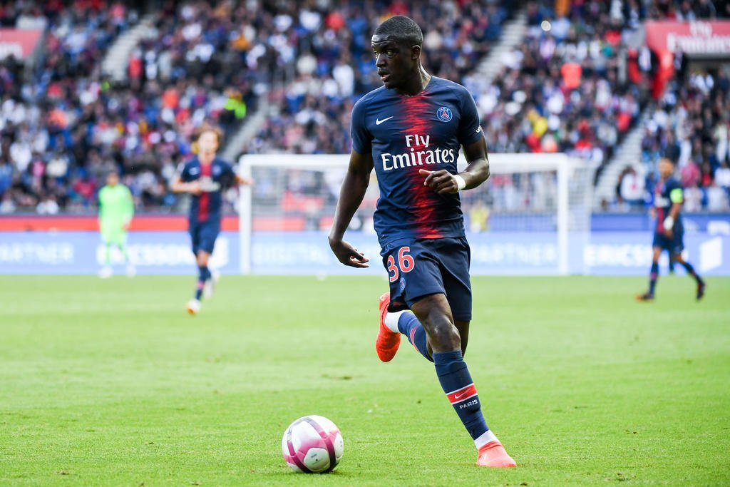 Stanley Nsoki a signé son premier contrat professionnel au PSG annoncent Goal et Le Parisien