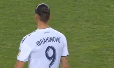 Anciens - Zlatan Ibrahimovic a marqué le 500e but de sa carrière avec un geste bien à lui