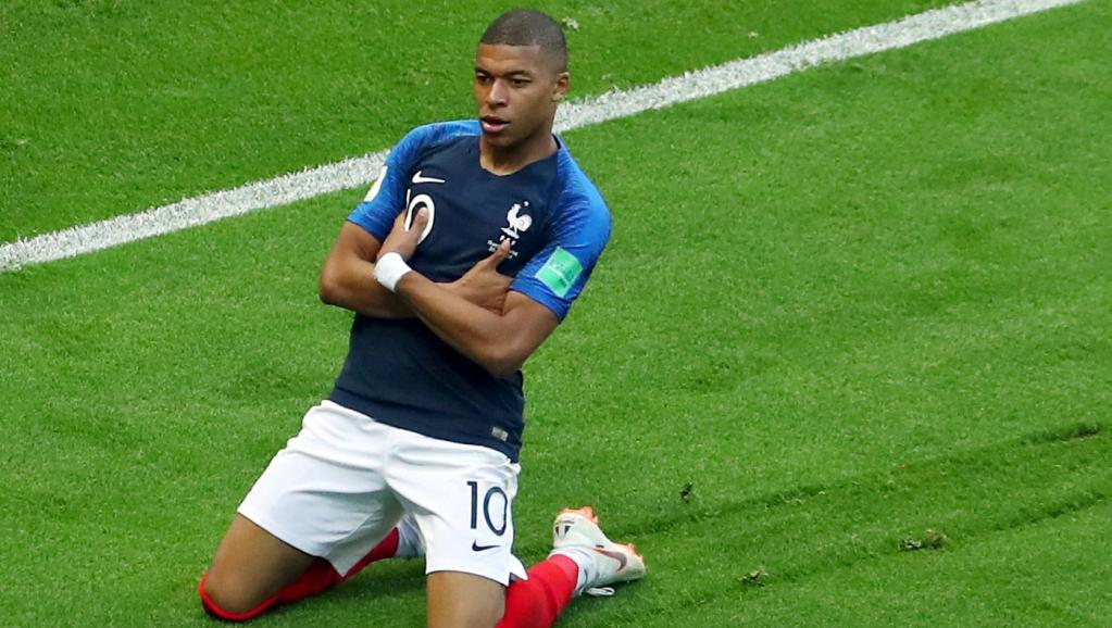 """Beye: """"Un rôle de sauveur pour Mbappé? C'est le rôle des grands joueurs comme il l'est"""""""