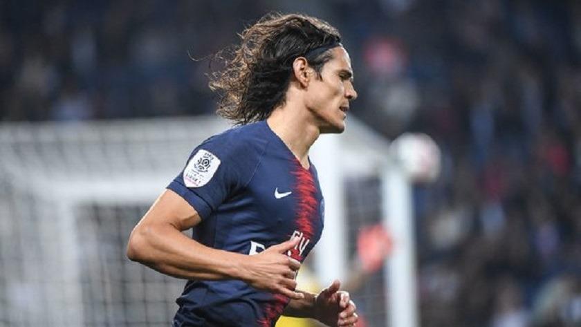 Mercato - Un journaliste du Parisien annonce que Cavani n'est pas heureux à Paris et voudrait revenir à Naples