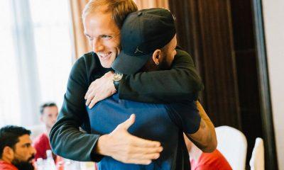 Maxwell pointe la proximité des joueurs du PSG avec Tuchel et leur joie de travailler ensemble