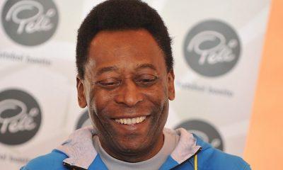 Pelé a félicité Neymar et l'invite à battre son records de buts avec le Brésil