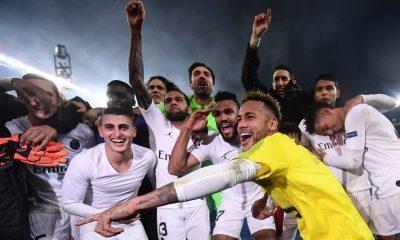 Célébration Neymar et PSG vs Liverpool