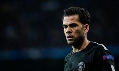 Dani Alves L'idée que je puisse finir ma carrière sans jouer en Premier League, ce n'est pas possible