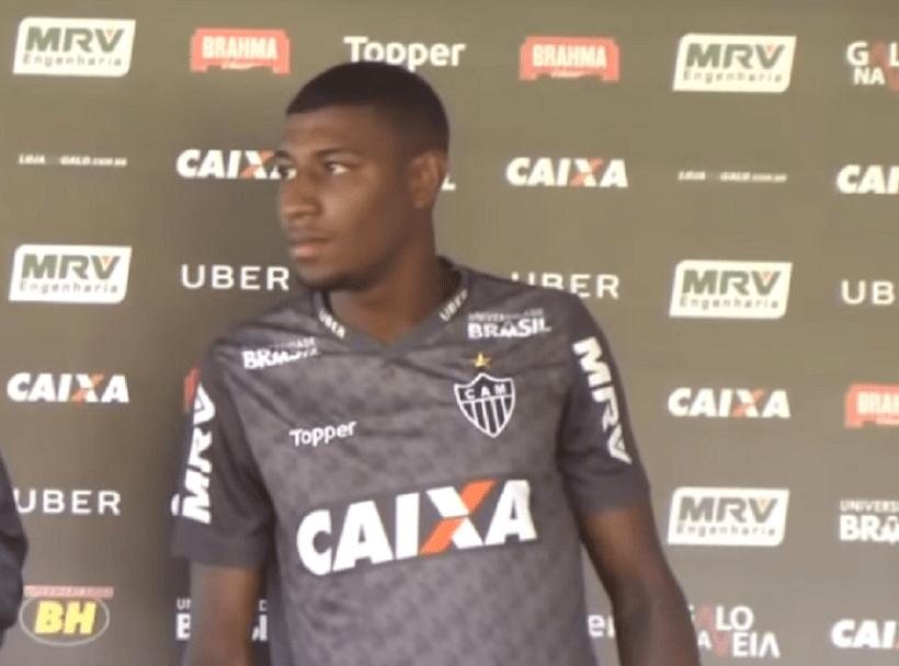 Mercato – Le PSG cité par les clubs qui suivent Emerson, jeune latéral droit brésilien