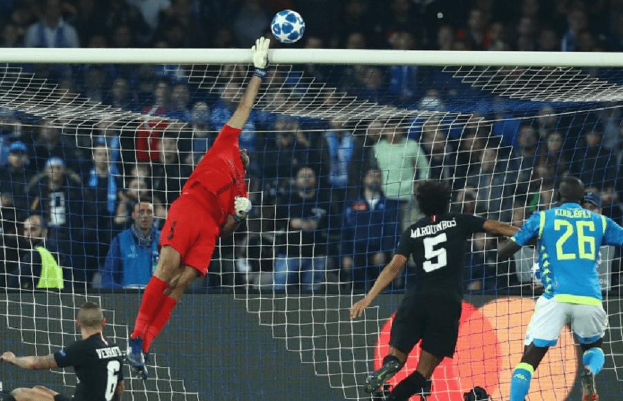 Les images du PSG ce mardi : seuls Kurzawa, Meunier et Buffon ont été actifs pendant et après le match contre Naples