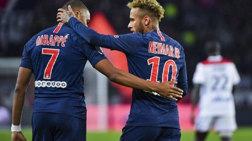 Mercato - Le Real Madrid à l'affût pour Neymar et Mbappé avec l'espoir que le PSG soit contraint de vendre, affirme AS