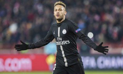 Neymar s'amuse en amical avec un quadruplé