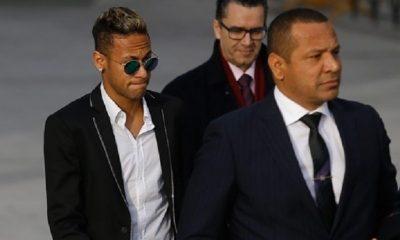 Mercato - Le PSG s'intéresserait à Riquelme, arrière gauche dont les affaires sont gérées par l'agence de Neymar Sr