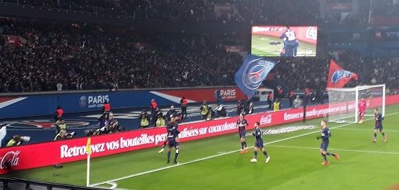 PSG/Guingamp - Vu du Parc, du soutien et une belle fête malgré l'inquiétude