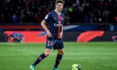 """Thomas Meunier va passer un """"examen de contrôle"""" ce vendredi et ne jouera pas à Saint-Etienne, indique Le Parisien"""