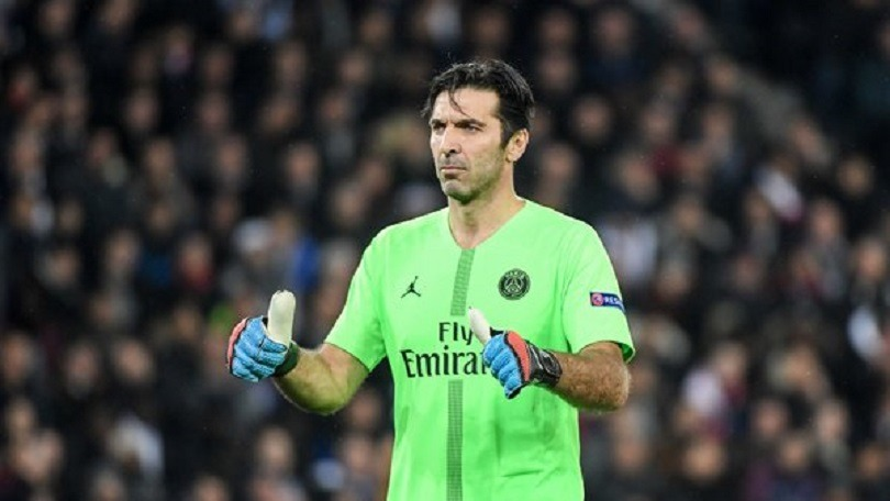 Gianluigi Buffon doit quitter le PSG, le constat cinglant signé Bertrand Latour qui condamne la stratégie de Thomas Tuchel